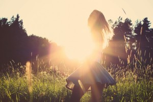 Good Morning Love Wallpaper_Beautiful Girl in Skirt Sun