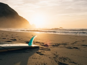 Gud Morning Wallpaper_Beach Surfing