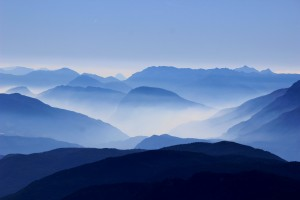 Wallpaper of good morning_Misty Blue Mountains