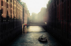 Wallpaper of good morning_old european scene canal